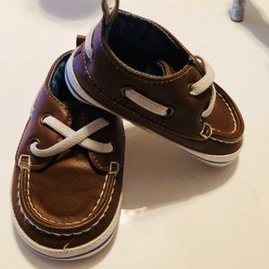 Baby brown shoes with laces